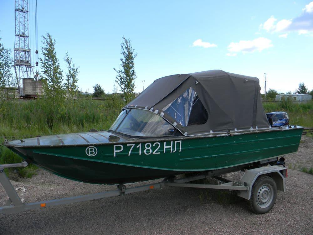 Лодка Днепр с современным ходовым тентом