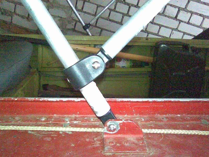Установка дуг для тента на лодку Днепр