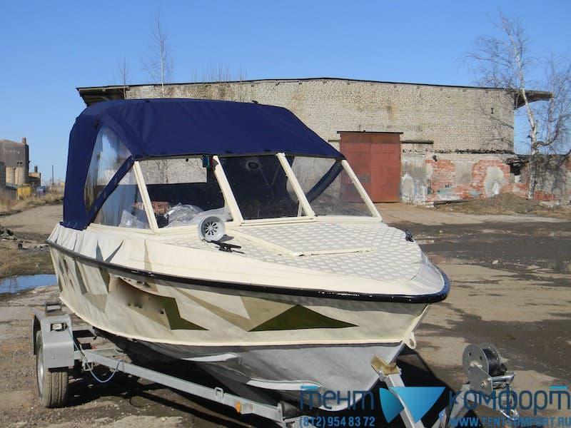 Ходовой лодочный тент без прозрачной вставки-окна над ветровым стеклом лодки
