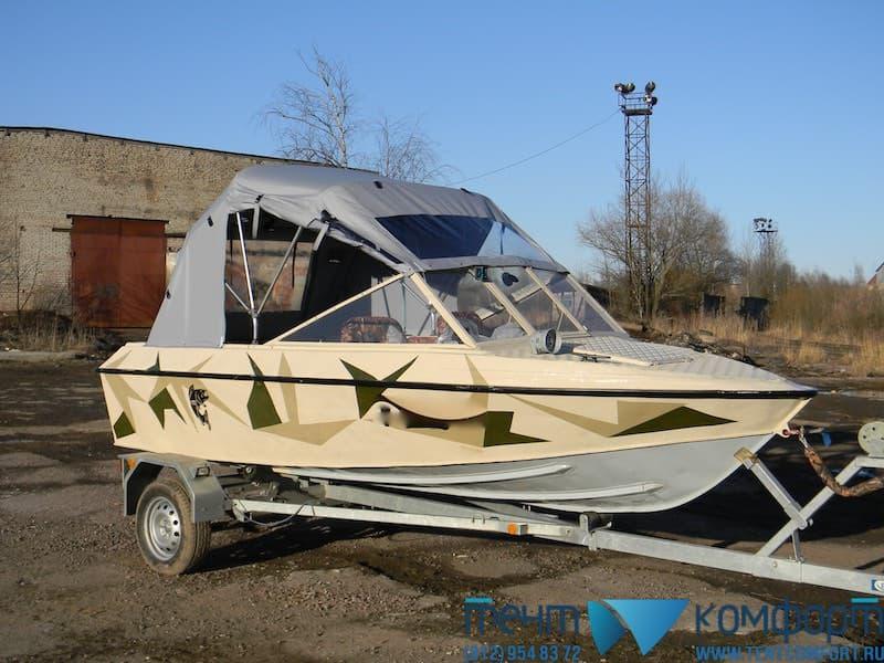 Ходовой лодочный тент, с прозрачной вставкой-окном над лобовым стеклом лодки