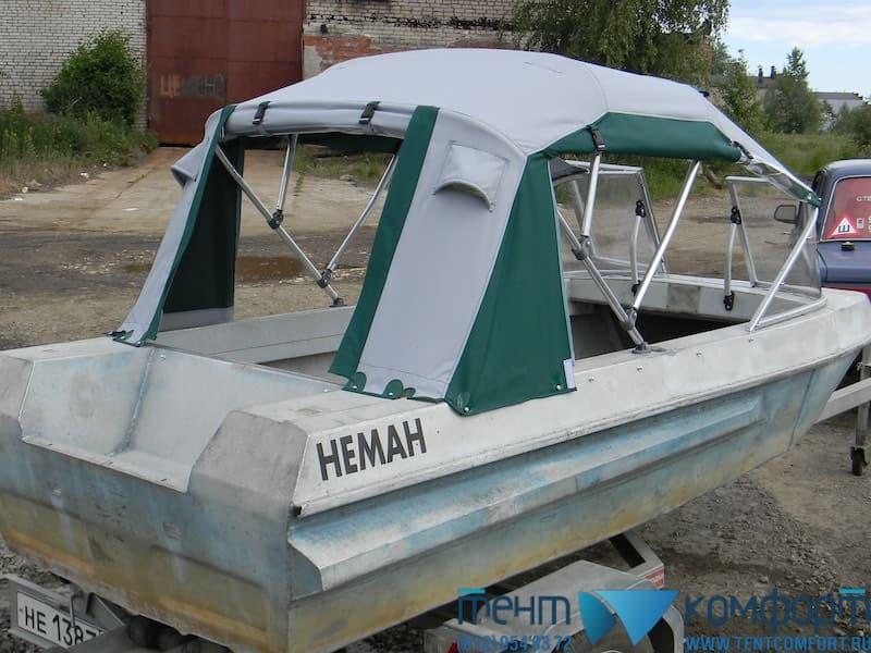 Клапан для доступа к мотору лодки